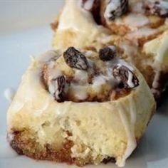 Jiffy Cinnamon Rolls | Homemade cinnamon rolls in under an hour? Breakfast needed this.