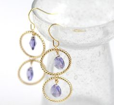 These Piccadilly Drop Earrings are so simply chic, you'll wonder why you never thought to make them before! This tutorial will show you how to create earrings based on a design sold at Anthropologie, but for much less than the original price.