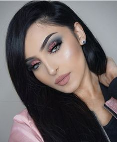 160 amazing summer makeup trends you need to try – page 15 Makeup Eye Looks, Eyeshadow Looks, Eyeshadow Makeup, Face Makeup, Eyeshadows, Halo Eye Makeup, Makeup Brushes, Glam Makeup, Makeup Inspo