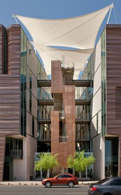 University of Arizona Health Sciences Education Building---Ayers Saint Gross Architects + Planners