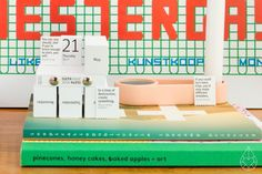 Jorg's bedrijf Iscent, dat ook de geuren voor onze kaarsjes maakte, ontwikkelde voor IGEPA een geur op maat die ze voortaan gaan toevoegen aan hun briefpapier.