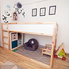"""Zmiany w pokoju dzieci - łóżko piętrowe """"KURA"""" i miejscówka pod nim - Wronek"""