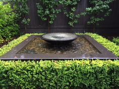 545 2195 Shallow Bowl Natural Stone Architectural Bowls Pots Water Features Direct Made from reconstituted stone the shallow bowl is a blend of volcanic rock sand an. Modern Water Feature, Small Water Features, Backyard Water Feature, Water Features In The Garden, Garden Pool, Water Garden, Shade Garden, Diy Garden Fountains, Fish Ponds