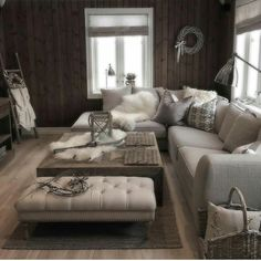 I den norske fjellheimen finner du Mari's vakre hjem Decorating Your Home, Interior Decorating, Interior Design, Home Living Room, Living Area, Boudoir, Cosy Interior, Dere, Interior Inspiration