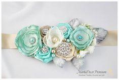 Braut Schärpe / Gürtel in Aqua, Minze, Tiffany blau, Sellerie grün, Ivory und Champagner mit Broschen, Glasperlen, Blätter und handgemachte ...
