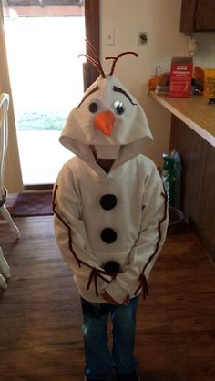 Handmade beside the hoodie Olaf costume :) I'm proud of myself because I don't know how to sow and think it didn't turn out to bad :)