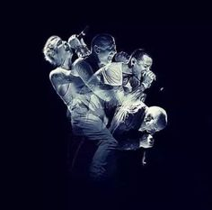Beautiful Legend Chester Bennington ❤🤘 Your voice will always be home💙🎤🤘 Chester Bennington, Charles Bennington, Linkin Park Chester, Mike Shinoda, Beautiful Soul, Music Bands, Music Is Life, Music Artists, Art Music