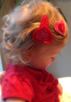 FELT HEART HAIR CLIPS Heart Hair, Hair Clips, Felt, Projects, Hair Rods, Log Projects, Felting, Blue Prints, Feltro