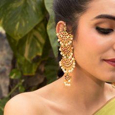 Designer 4 Layered Pendant Earring With Kemp Stones – Jumkey Fashion Jewellery Indian Jewelry Earrings, Jewelry Design Earrings, Gold Earrings Designs, Temple Jewellery, Pendant Earrings, Designer Earrings, Wedding Jewelry, Gold Jewelry, Earings Gold