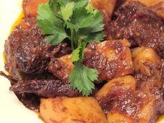 Tapa de asado al borgoña con papas y zanahorias - Cocina y Recetas - lanacion.com