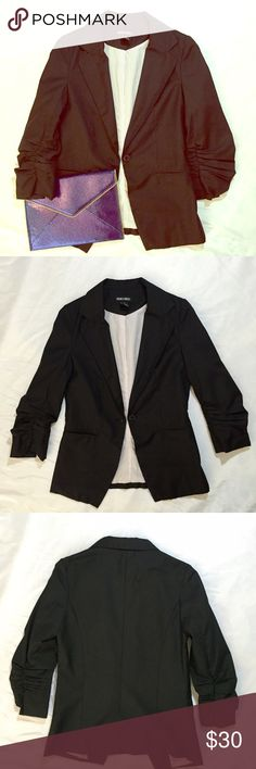"""Doki Geki // Ruched Sleeve Boyfriend Blazer EUC! Trendy boyfriend blazer with ruched 3/4 length sleeves. Looks great over a trendy tee or work dress!  Gently worn and dry cleaned.  Small spot on inside lining, as shown in last photo. No other stains or holes. Approx 25"""" length, 17"""" across chest. Purchased at Nordstrom BP. Juniors sizing. 🚫trades🚫 smoke free home Doki Geki Jackets & Coats Blazers"""