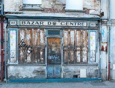 Noisy Le Grand, Vitrine Miniature, Montmartre Paris, Old Paris, Shopping Street, Shop Fronts, Old Doors, Store Displays, Abandoned Buildings