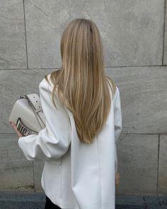 Beauté Blonde, Blonde Hair Looks, Brown Blonde Hair, Beach Blonde Hair, Hair Inspo, Hair Inspiration, Aesthetic Hair, Grunge Hair, Dream Hair