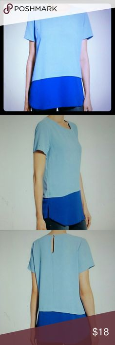 Bobeau Blue Crepe Colorblock s/s Top Blouse S Nordstrom brand Bobeau features a beautiful blue crepe colorlock top. New without tags. Size S bobeau Tops Blouses