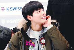 박보검 160220 KSWISS 팬싸인회 [ 출처 : 보거미의 개 http://930616.net/140 ]