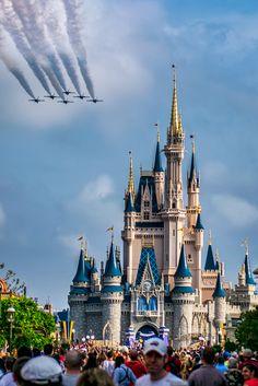Delta over Cinderella's Castle - Banakas   Photography
