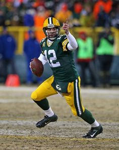 Men s Nike NFL Aaron Rodgers Home Game Replica Green Bay Packers ... fd79e8abc