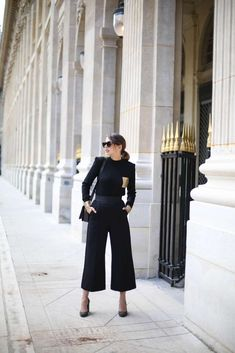 Gold Digger - The Brunette French Fashion Bloggers, Paris Look, Chic, Fall Outfits, Style Me, Personal Style, Autumn, Gold, Inspiration