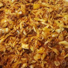 Schmorkohl nach Omis Rezept - Atıştırmalıklar - Las recetas más prácticas y fáciles Healthy Soup Recipes, Low Calorie Recipes, Clean Eating Recipes, Beef Recipes, Vegan Recipes, Cooking Recipes, Slow Cooker Recipes, Sour Cream Noodle Bake, Braised Cabbage
