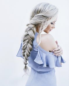 Stephanie Danielle is giving off Disney Princess Vibes with this awesome Elsa Inspired hairdo!! This is a great style to sport for gorgeous bridesmaid