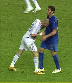 Zinedine Zidane headbutts Marco Materazzi in World Cup Final. Famous Sports, Most Popular Sports, Zinedine Zidane, World Football, Football Soccer, Football Funny Moments, Marco Materazzi, History Of Soccer, Sports Quiz