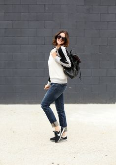25 Warm and Cozy Winter Outfit Combinations to Wear in Winter - Beautifus Cozy Winter Outfits, Warm Outfits, What I Wore, What To Wear, Masculine Style, Black Ripped Jeans, Basic Outfits, Outfit Combinations, Winter Wardrobe