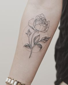 Rose tattoo by Tritoan Ly