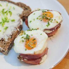 Egy finom Muffinsütőben sült sonkás tojás  ebédre vagy vacsorára? Muffinsütőben sült sonkás tojás  Receptek a Mindmegette.hu Recept gyűjteményében! Eat Smarter, Cooking Time, Finger Foods, Baked Potato, Potato Salad, Low Carb, Keto, Baking, Breakfast