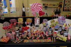 Volvieron las caramelerías, renovadas y con propuestas originales  Los caramelos de este negocios son hechos y decorados a mano.  /Matías Aimar