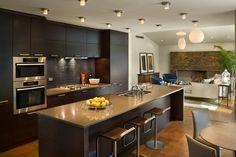 Modern Black Kitchen Design with Island Dark Wood Kitchen Cabinets, Dark Wood Kitchens, Kitchen Cabinet Design, Black Kitchens, Interior Design Kitchen, Modern Interior Design, Cool Kitchens, Modern Kitchens, Kitchen Island