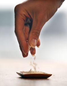 """Scaglie di sale da """"schioccare"""" sul cibo...."""