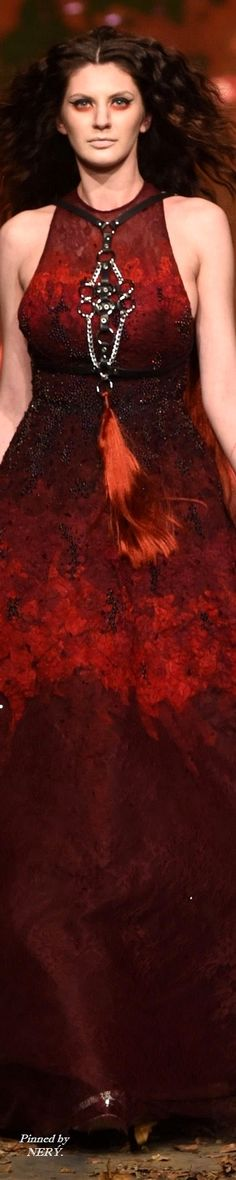 Amato by Furne One Fall-Winter - Wedding Bouquets Red Fashion, Runway Fashion, What Is Red, Wedding 2017, Neck Piece, Red Rhinestone, Shades Of Black, Fall Winter, Autumn