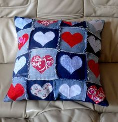 Recycled Denim Cushion I have been recycling denim jeans again. The latest creation is a cushion made from various shades of denim with red and blue hearts appliqued on each square. I have backed the cushion with a bluie… Sewing Pillows, Diy Pillows, Cushions, Recycling, Jean Crafts, Diy Crafts, Denim Ideas, Quilted Pillow, Rag Quilt