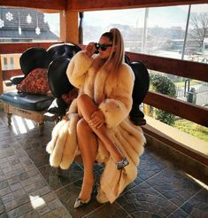 Sugar Baby, Fur Fashion, Winter Fashion, Womens Fashion, Rich Girls, Fox Fur Coat, Fur Coats, Thick Girl Fashion, Models