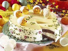 Ob mit Küken oder mit Blüten garniert, einfach eine schöne Torte
