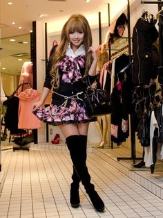 Recently I wrote a post about wanting to try the Agejo style, as I always love this style when I see people wearing it and finally decided. Gyaru Fashion, Harajuku Fashion, Lolita Fashion, Asian Fashion, Fashion Outfits, Harajuku Girls, Alternative Mode, Alternative Fashion, Kawaii