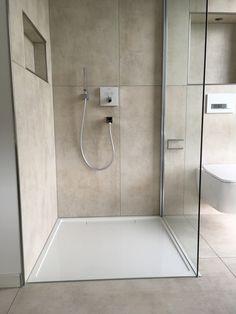 Bad Inspiration, Bathroom Inspiration, Bathroom Interior Design, Home Living Room, Baby Room, Bathtub, Architecture, Bathrooms, House