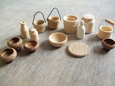 maybe try to use wooden dowel and dremel? maybe try to use wooden dowel and dremel? Dremel Projects, Wood Projects, Wooden Dollhouse, Dollhouse Miniatures, Dremel Rotary Tool, Dremel Drill, Dremel Wood Carving, Mini Kitchen, Carving Designs