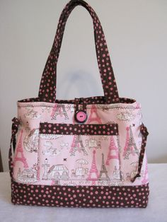 Bow Tucks Tote by MomCatQuilts on Etsy, $40.00...Seriously need this! <3