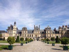 Château de Fontainebleau  trente-six km de Paris centre-ville