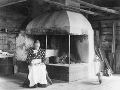I bryggstugan hos fru Lindahl. Family Roots, Family Genealogy