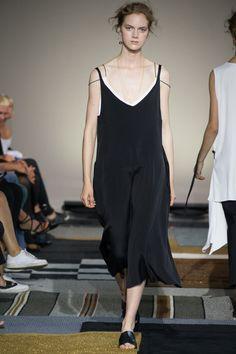 AltewaiSaome Stockholm Spring 2016 Collection Photos - Vogue