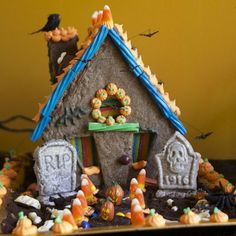 Because cookie houses aren't just for Christmas, anymore! This fun kids craft includes a recipe and house template for tons of Halloween fun.