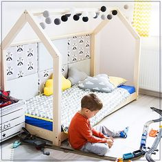 House Bed is the most adorable and versatile place for children you can imagine. By day, it is the ideal place for playing, reading or resting, while at night House Frame Bed, House Beds, Big Girl Rooms, Baby Boy Rooms, Boys Room Design, Twin Toddlers, Bed Furniture, Kid Beds, Kids Bedroom