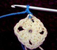 granny square haken Barbie, Crochet Necklace, Crocheting, Weaving, Knitting, Accessories, Crochet, Tricot, Breien