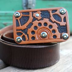 Steampunk Stashbox altoids tin belt buckle, leather gears and cogs wi…