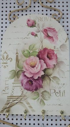 Decoupage Vintage, Vintage Maps, Vintage Roses, Stencil Art, Stencils, Shabby Chic Storage, Victorian Crafts, Tole Painting, Craft Gifts