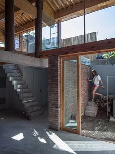 Image 6 of 40 from gallery of Guo Zijian Hutong House / DL Atelier. Photograph by Haiting Sun Wood Columns, Concrete Structure, I Coming Home, Big Windows, Cozy House, Second Floor, Beijing, Interior Architecture, Facade