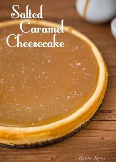 There isn't anything much better than caramel! It's perfect in pretty much every dessert, and this Salted Caramel Cheesecake is so exception! Köstliche Desserts, Dessert Recipes, Lunch Recipes, Healthy Recipes, Salted Caramel Cheesecake, Carmel Cheesecake, Salted Caramels, Fruit Cobbler, Easy Cheesecake Recipes