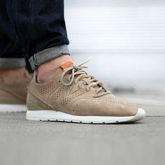 b0693eddf735 Footwear    Skotta New Balance Sneakers